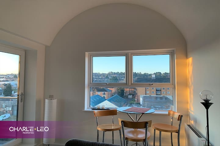 Private & Sunny Executive City Apartment w/Views