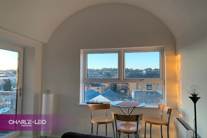 Private & Sunny Executive City Apartment w/Views