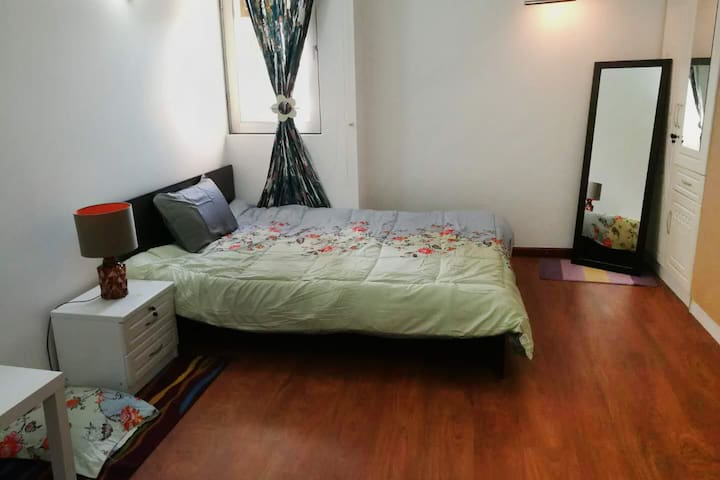 Tidy dedicated room with balcony-only for female !