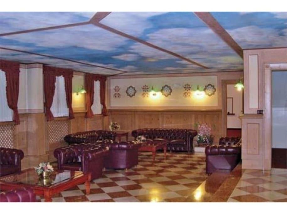 Elegante Hall del Residence Orsa Maggiore