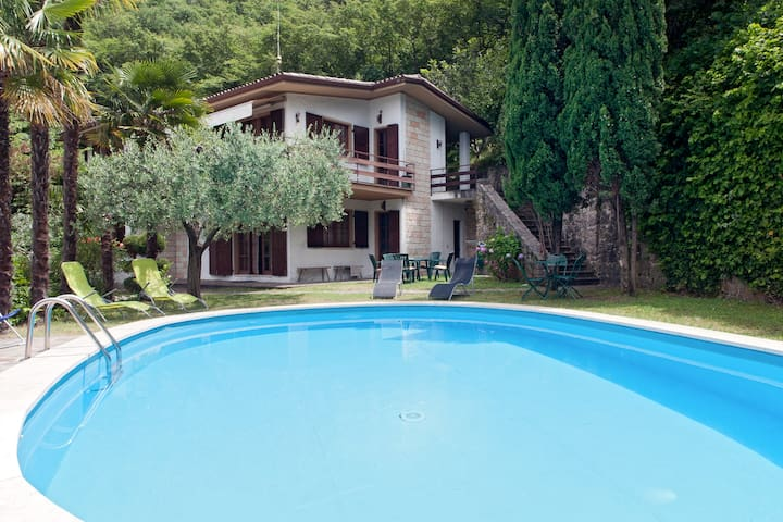 villa for 11 people, parking free - Castelletto di Brenzone - Villa