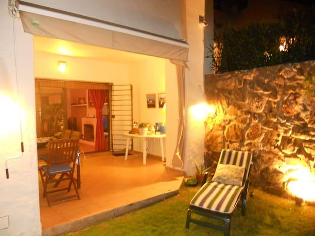 ISLANTILLA EXCLUSIVO BAJO CON JARDI - Lepe - Huis