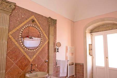 BorgoAntico B&b  con  vasca idromassaggio - Raguse
