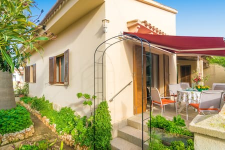 POP - Chalet with terrace in Sa Rapita.