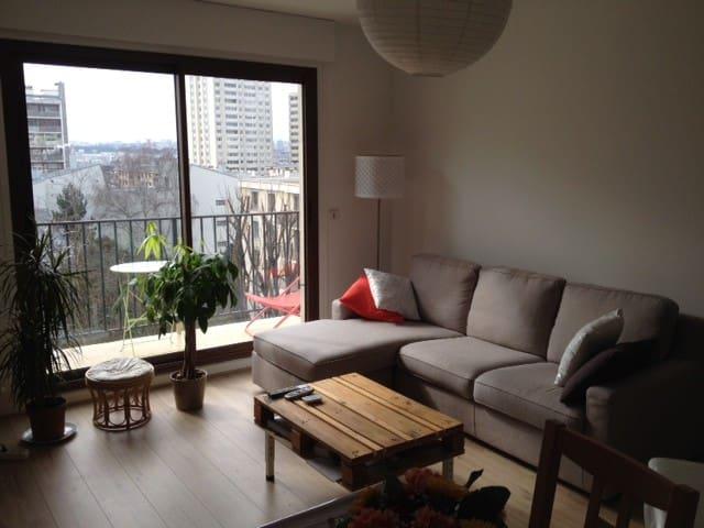 Beau 2 pièces de 55 m2 avec parking - Charenton-le-Pont - Appartement