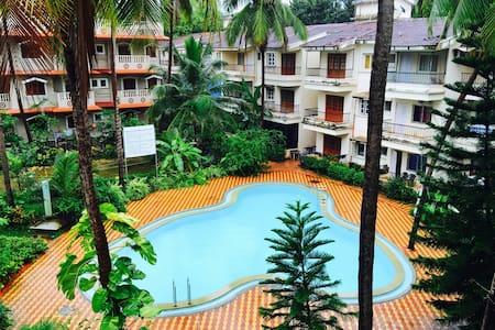 Casa Via - Pool Facing Luxury Apartment - Calangute