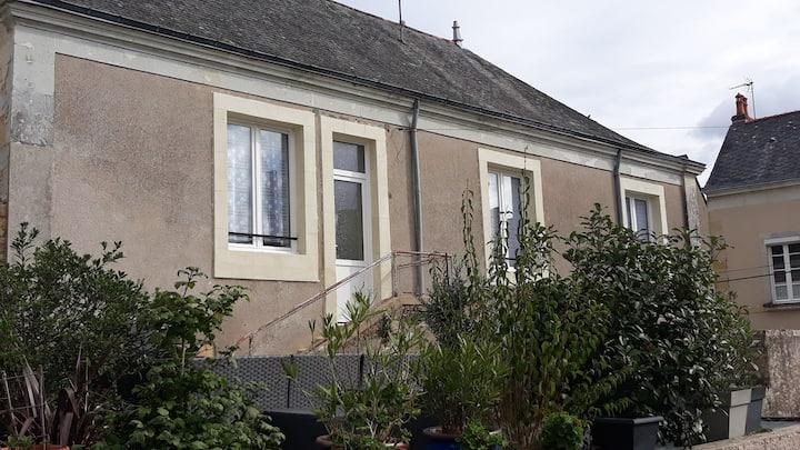 Grand logement avec parking à deux pas du Chateau