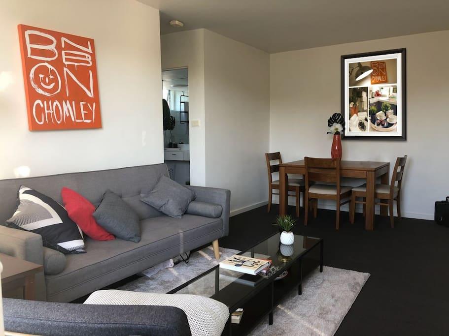 Lounge / Dining Room