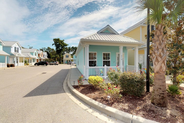Beautiful beach cottage w/ a shared pool - just steps from the ocean!
