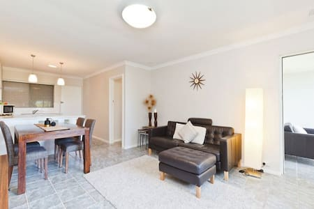 2 bed fully furnished private apartment, free WiFi - Wembley Downs