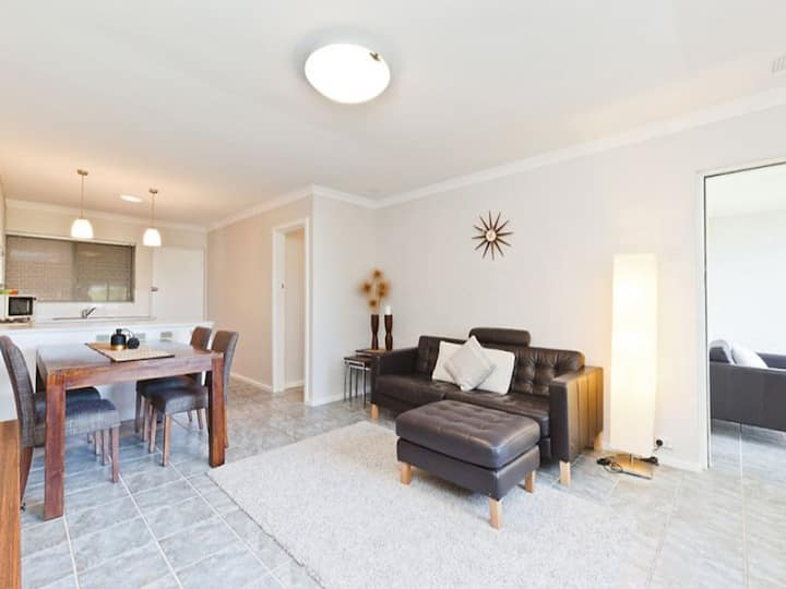 2 bed fully furnished private apartment, free WiFi
