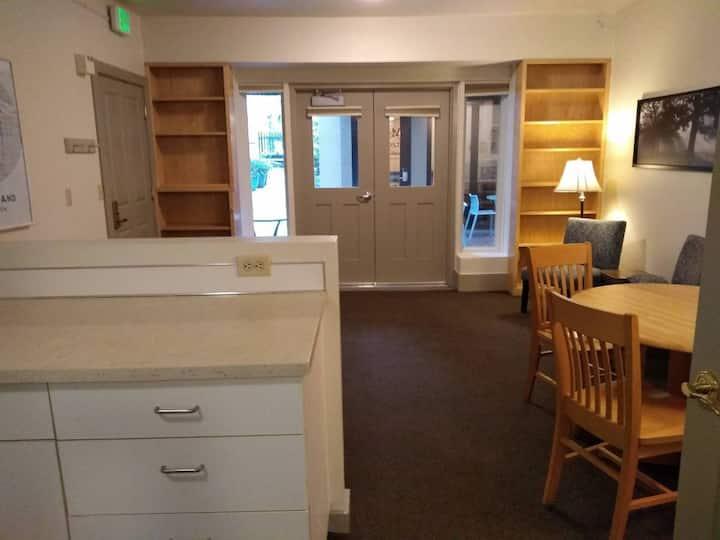 Furnished 1-bedroom apartment @ NW Portland Hostel