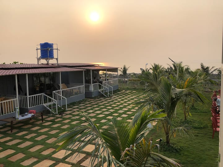 Mysha's Hill and Sea Stay, Beach stay, Kashid