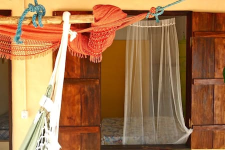 Lindo! Yellow Room sleeps 3 in cute place in Atins