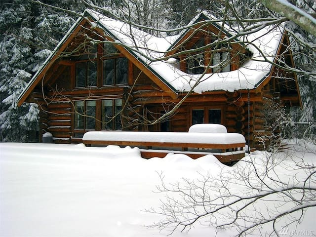 SKYKOMISH RIVER LODGE - Baring