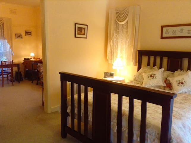 Cowes Cottages B&B Room - 'The Ivory Suite' - Cowes - Aamiaismajoitus