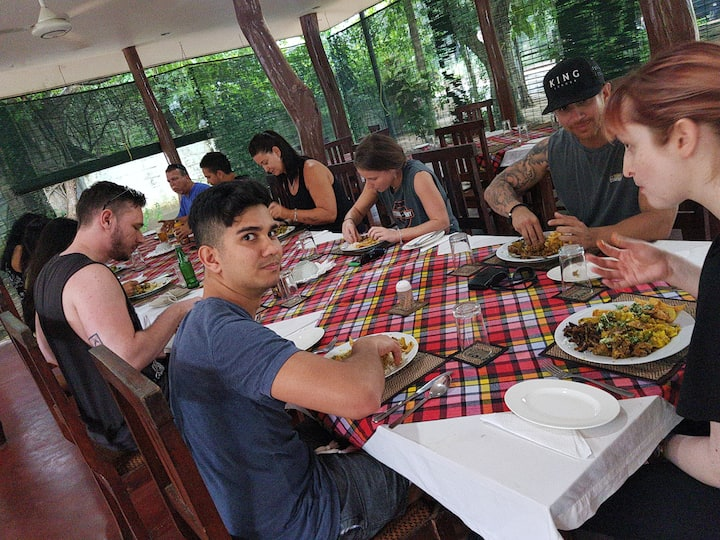 G K G Cottage And Restaurant (Hostel In Habarana)