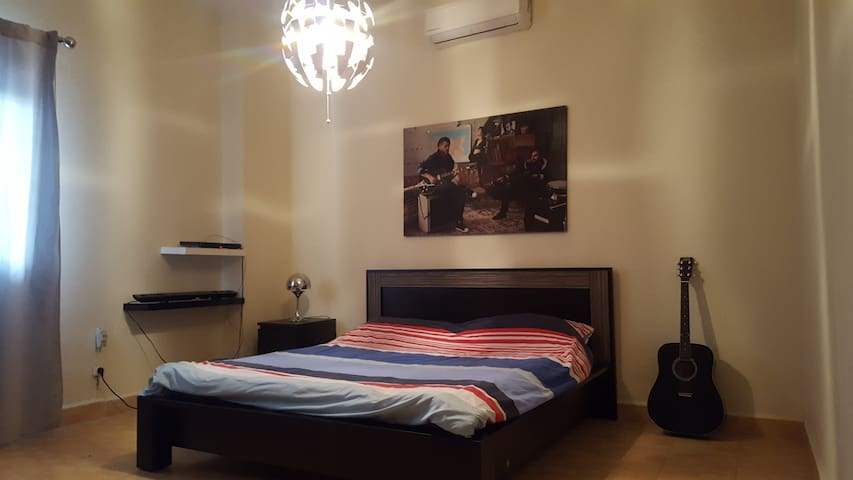 Whole apartment in Hazmiyeh, Beirut - Beirut Governorate - Appartement