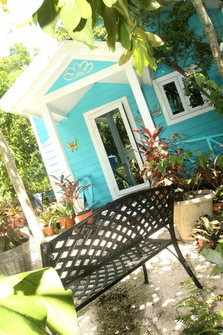 Beautiful Oasis #5 Honeymooners suite