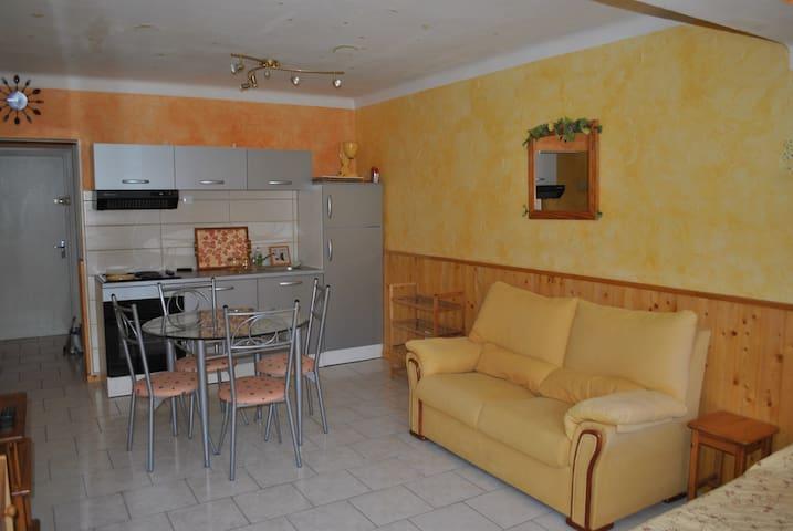 Studio pour 4 personnes - Saint-Cyr-sur-Mer - Appartement