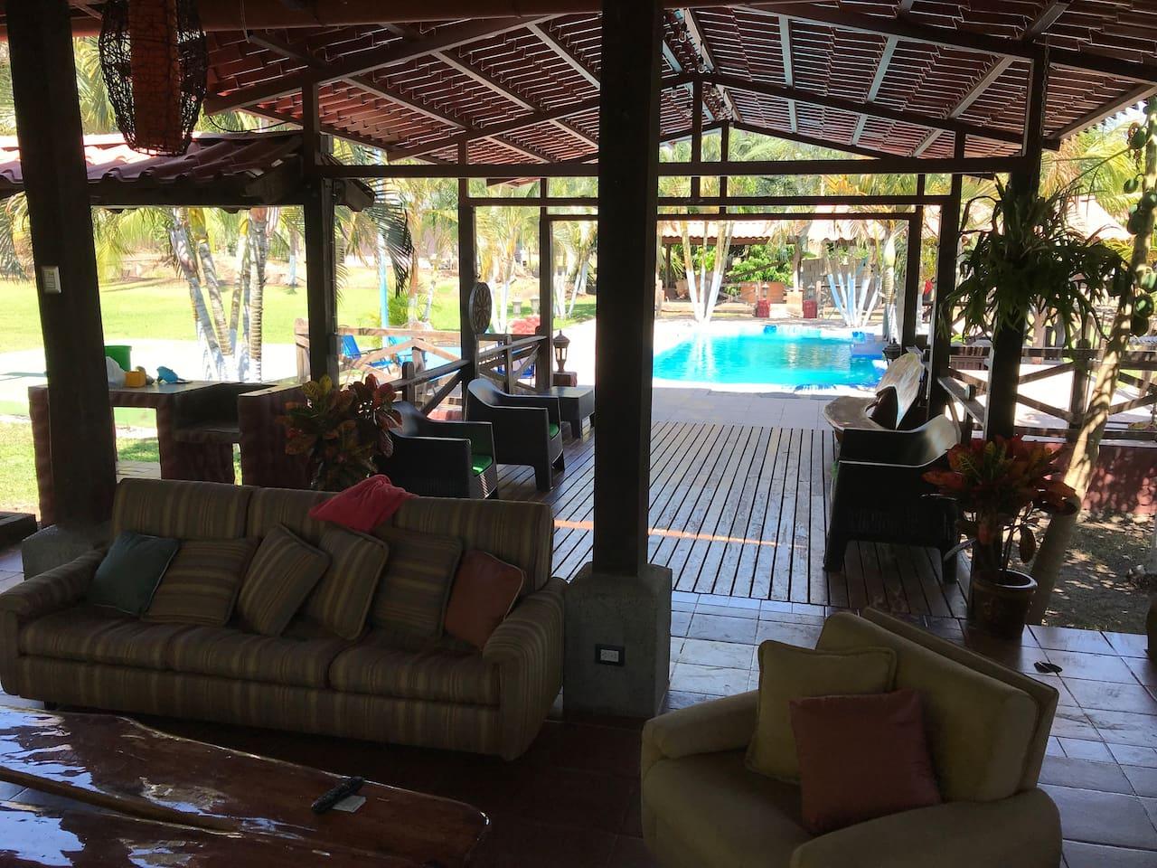 Pasillo deck a piscina