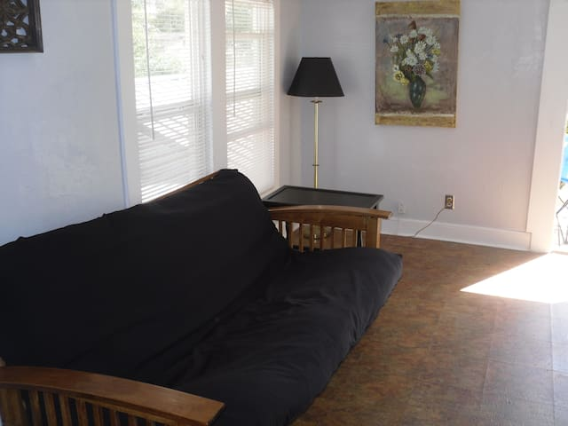 Private Efficiency Garage Apartment - Beaumont - Appartement
