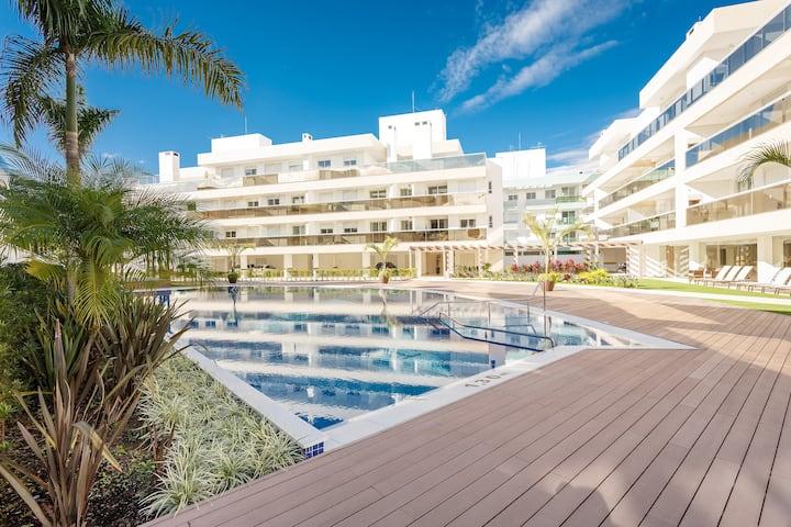 2 Bedrooms Apt. @ Jurerê with great pool