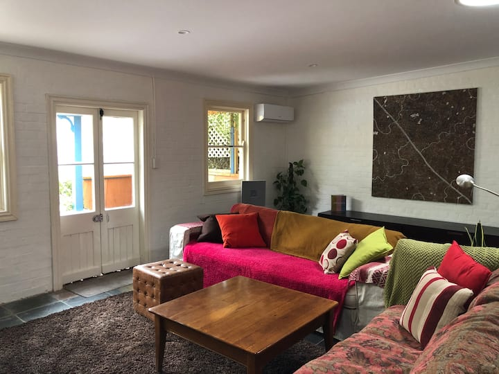 Elegance and comfort close to town centre