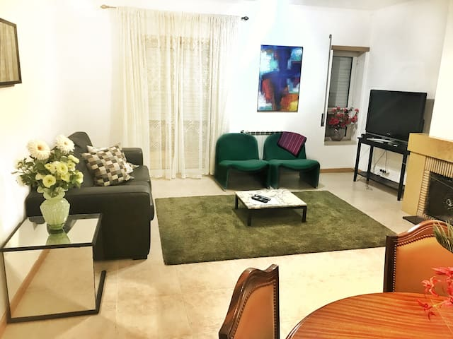Apartamento com 4 quartos próximo ao Santuário