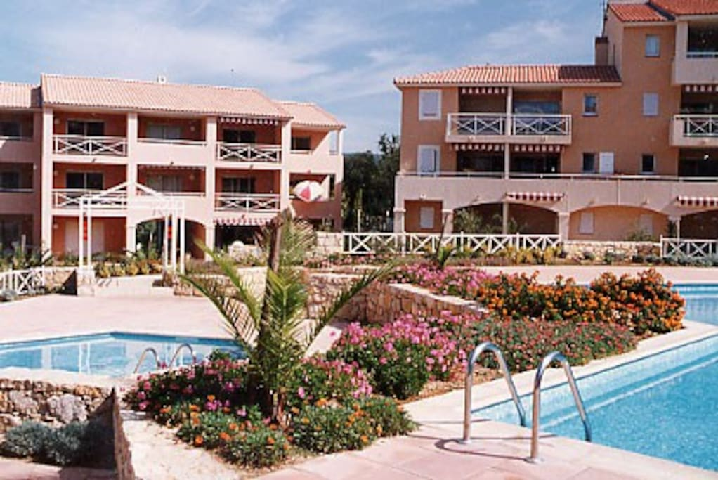 Tres bel appart 3 pces 4 5 pers apartments for rent for Garage volkswagen croix valmer