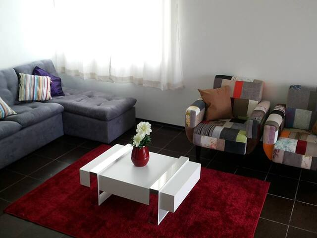 Ample & Charming in Prime Location! - Recife
