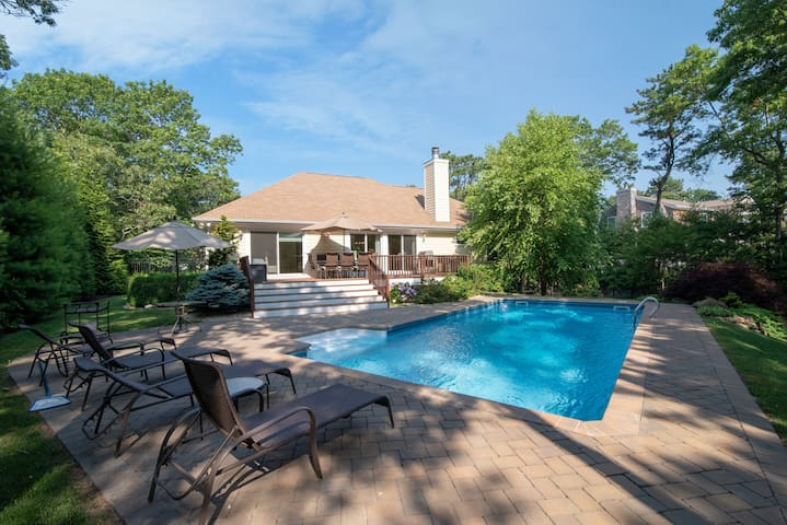 Perfect Vacation Home - Pool, fireplace and more