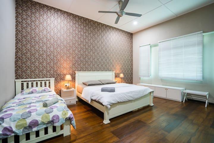 MY'Casa |Room 6| @ Georgetown |Gurney| City Center