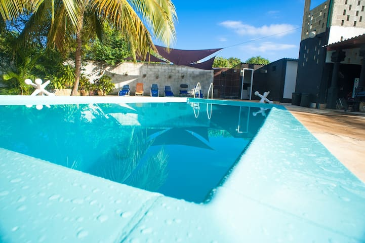 Bungalow Luxury Villa with Pool 5 min from airport
