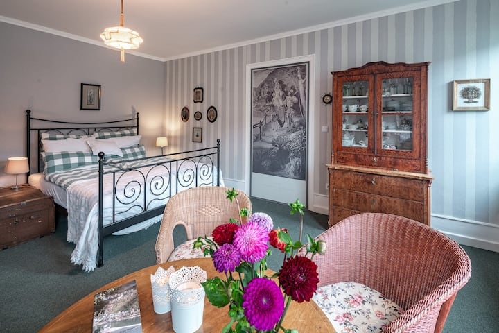 Live romantically in Kaub directly on the Rhine