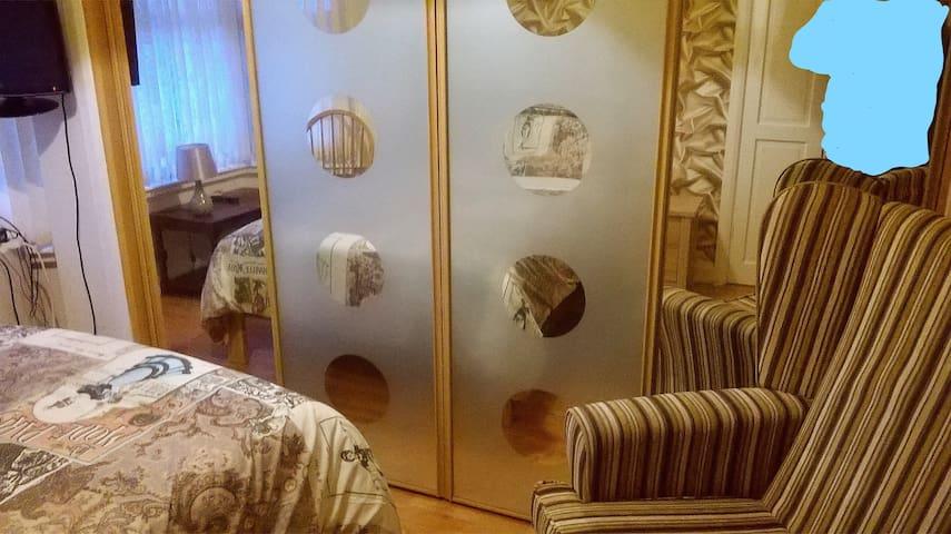 Air/p NEC Double Bedroom No 1 Sheldon,B26 3HS