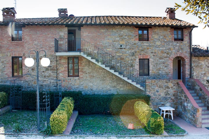 Farmhouse with pool Paciano Umbria - Paciano - Apartmen