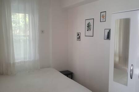 Eski Foça da günlük haftalık aylık kiralık oda