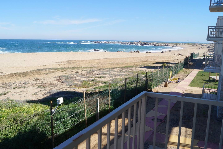 Balcón con vista al mar ....desde dormitorio matrimonial.