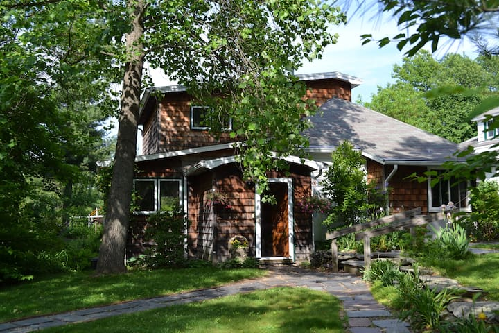 Raspberry Ridge Cottage - Craryville - House
