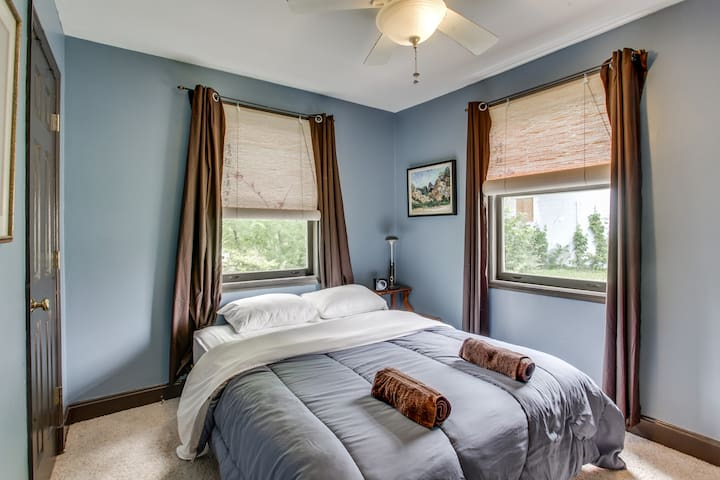 A Room In a Peaceful Bohemian East Nashville House