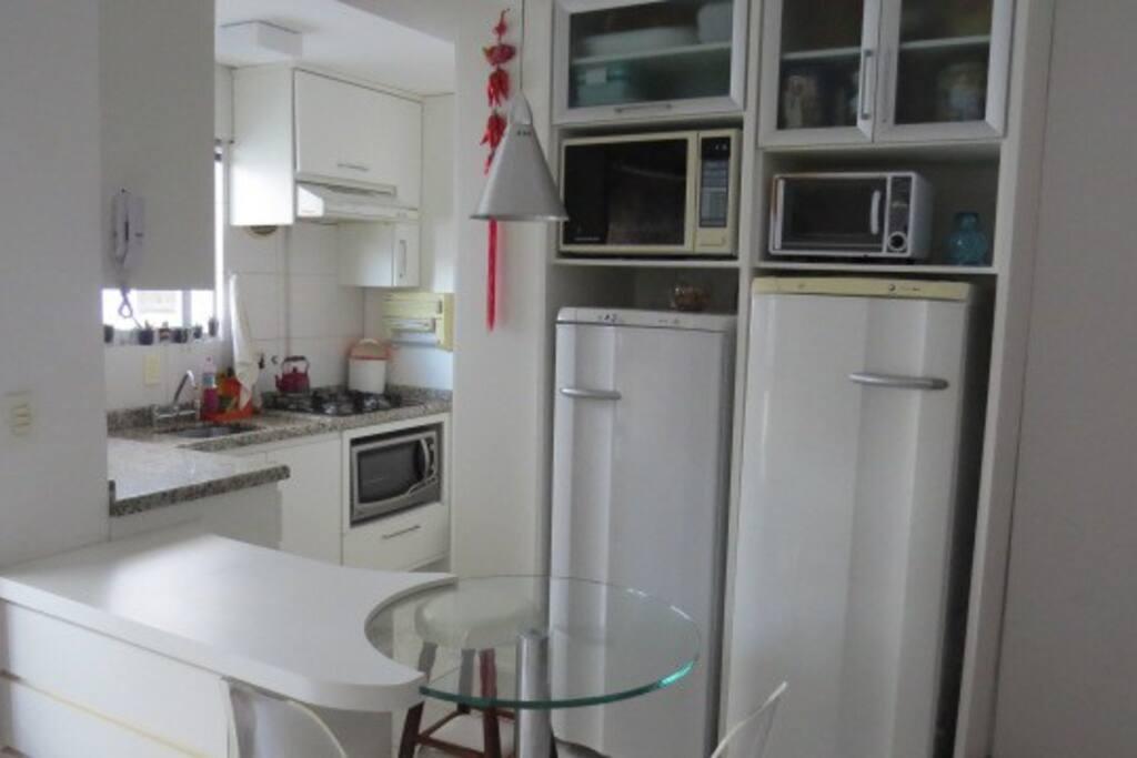 Cozinha compacta e completa