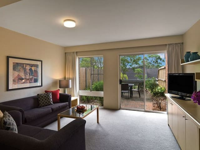 Two Bedroom Townhouse North Ryde - Marsfield - Apartemen