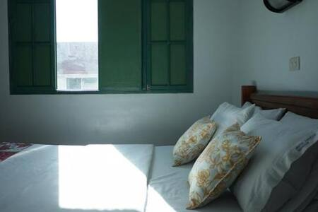 Clean & affordable rooms - Parañaque City - Bed & Breakfast