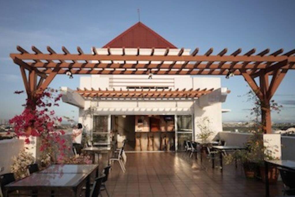 Roof Bar