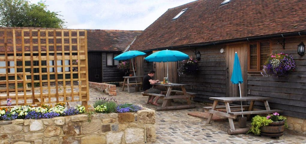 4* Countryside Cottage Badgers Set Hurstwood Farm - High Hurstwood - Lägenhet
