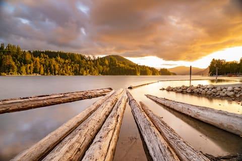 Twin Trees Lakeside - The Cedar