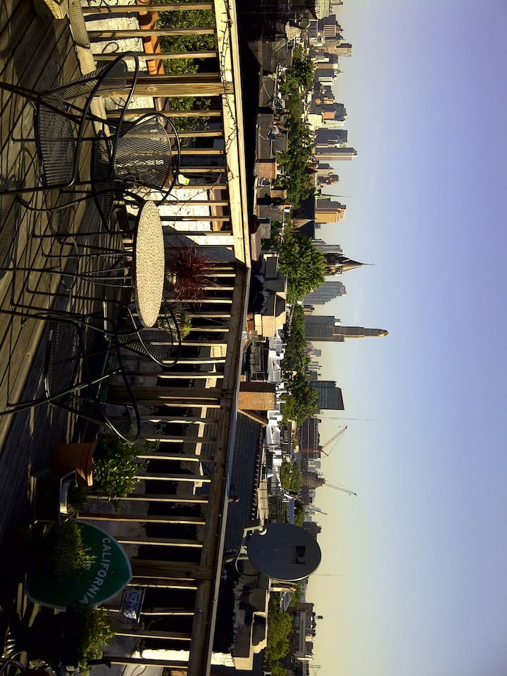Private Roofdeck for your pleasure!