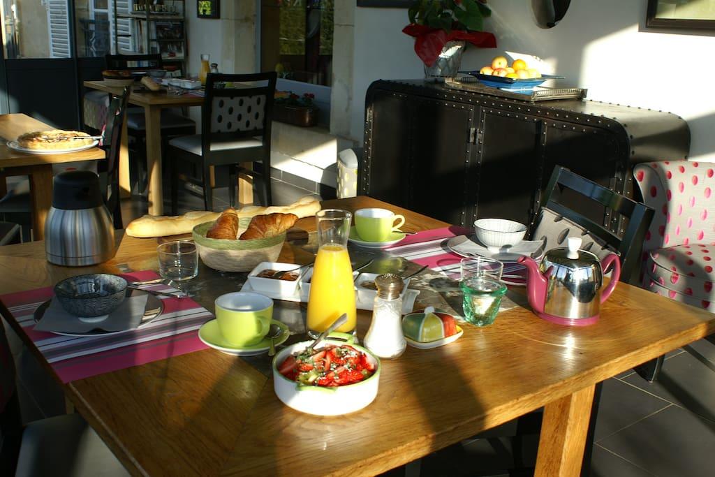 Le Petit Déjeuner à La Cimentelle