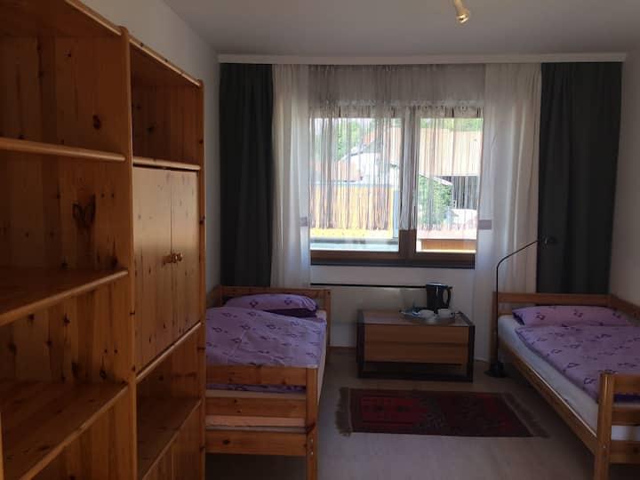 Gemütliches Zimmer 30 Autominuten vor Wien